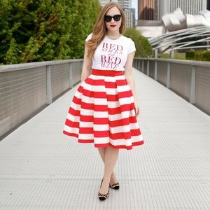 👗 Red stripe pleated midi skirt - NWT